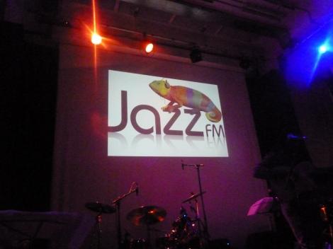 Jazz FM banner - Guida